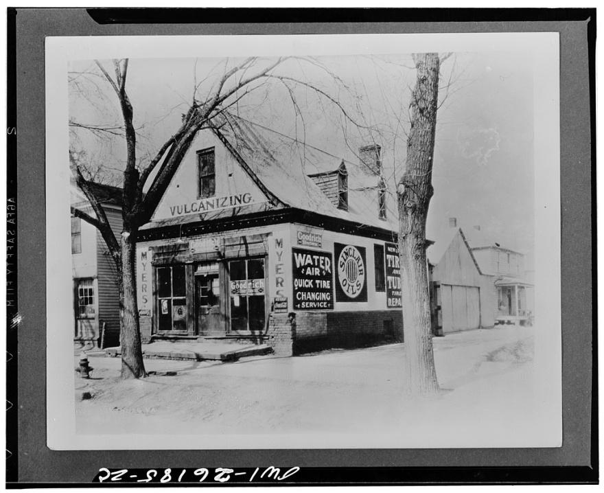 Barber Williamsburg : Prentis Store before restoration, ca. 1928 (erroneously labeled Barber ...